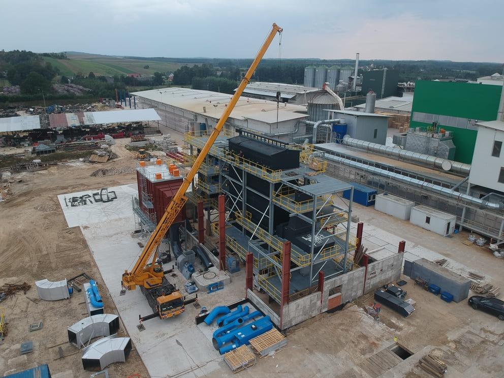 Strojmont- potrubie, nádrže, technológie